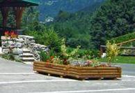 001995c5623f4_jardiniere-rondin-de-bois-2