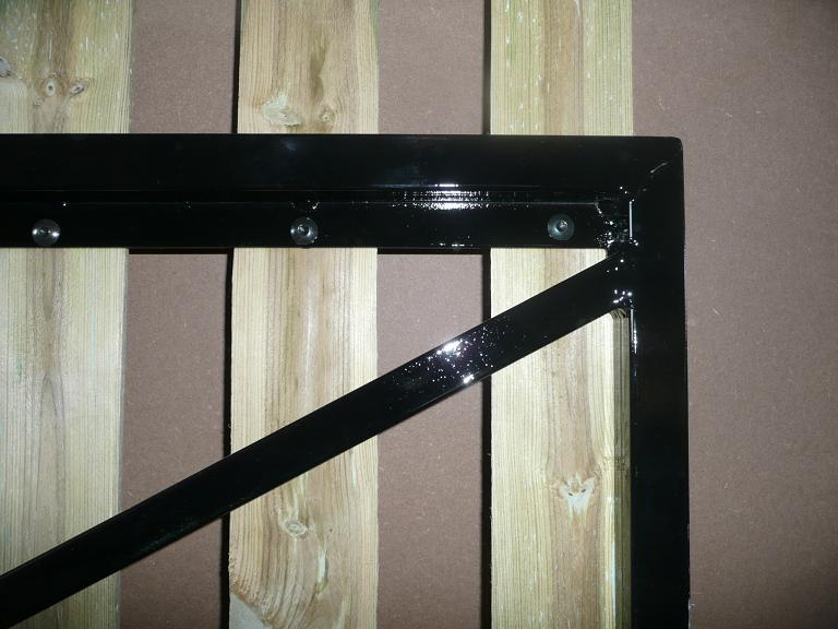 Portail cadre acier habillage ronds 8 cm menuiserie bertin - Habillage poteau portail ...
