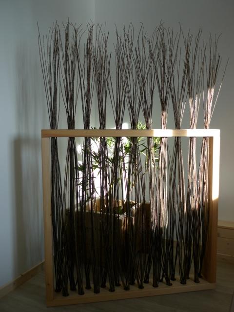 61fa3e8f9e805 paravent en meleze et osier menuiserie bertin. Black Bedroom Furniture Sets. Home Design Ideas