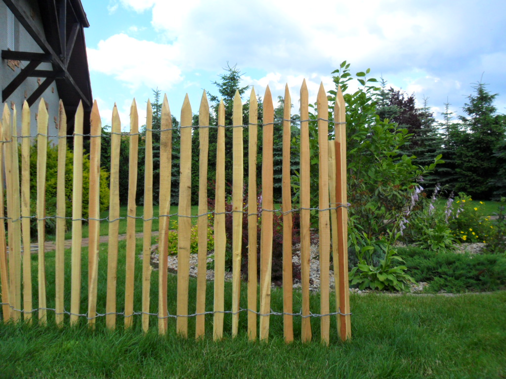 Ganivelle en acacia 1m20 long10m menuiserie bertin - Cloture de jardin chataignier ...