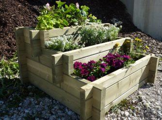 952c98441f935_jardiniere-bois-3-etages