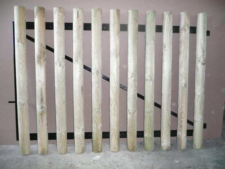 Portail cadre acier habillage planchettes 22 x 90 menuiserie bertin - Habillage poteau portail ...