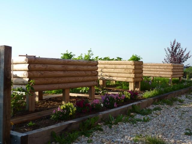 jardini re 1 2 rondins horizontaux 200x100x57 surelev e. Black Bedroom Furniture Sets. Home Design Ideas