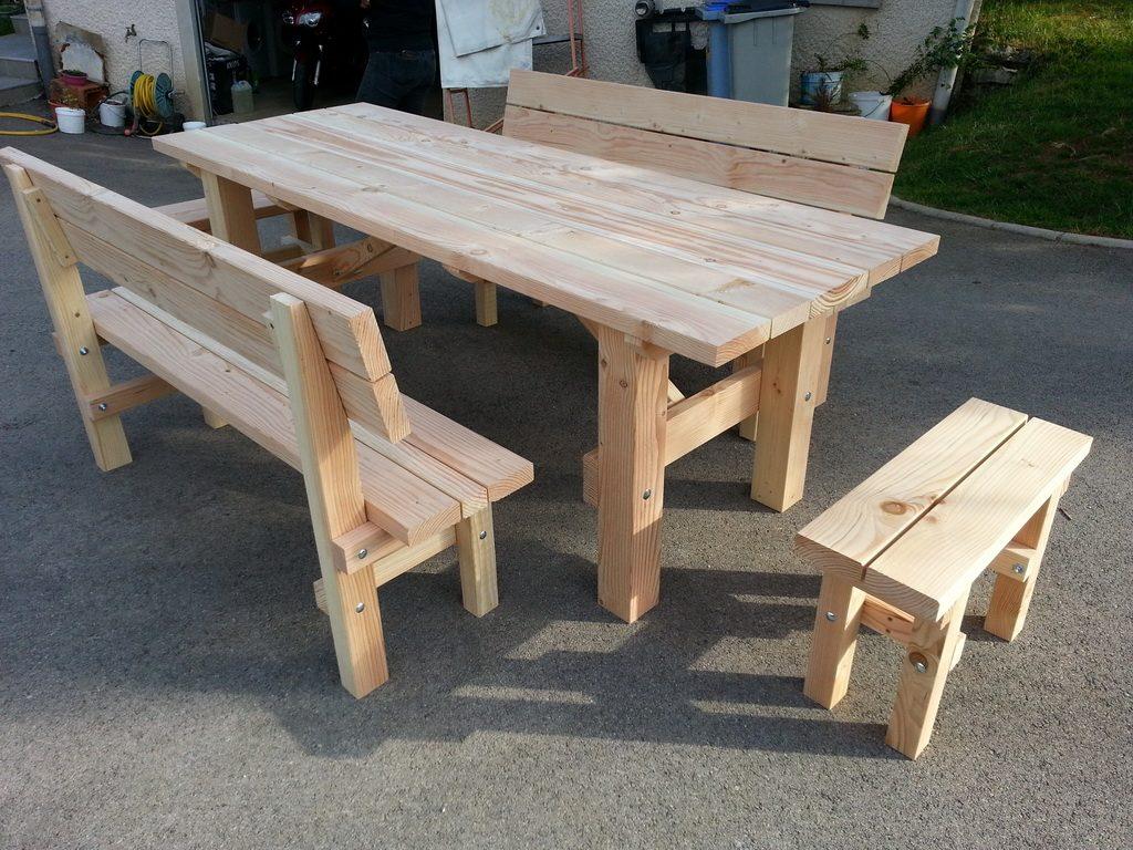 Table avec banc en bois excellent repeindre son mobilier - Table en bois avec banc ...