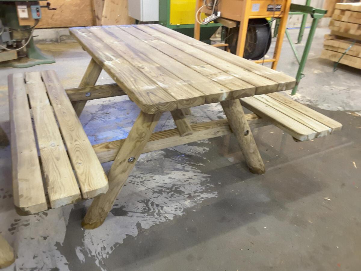 Table et bancs picnic en 1m70 menuiserie bertin - 1m70 en pied ...