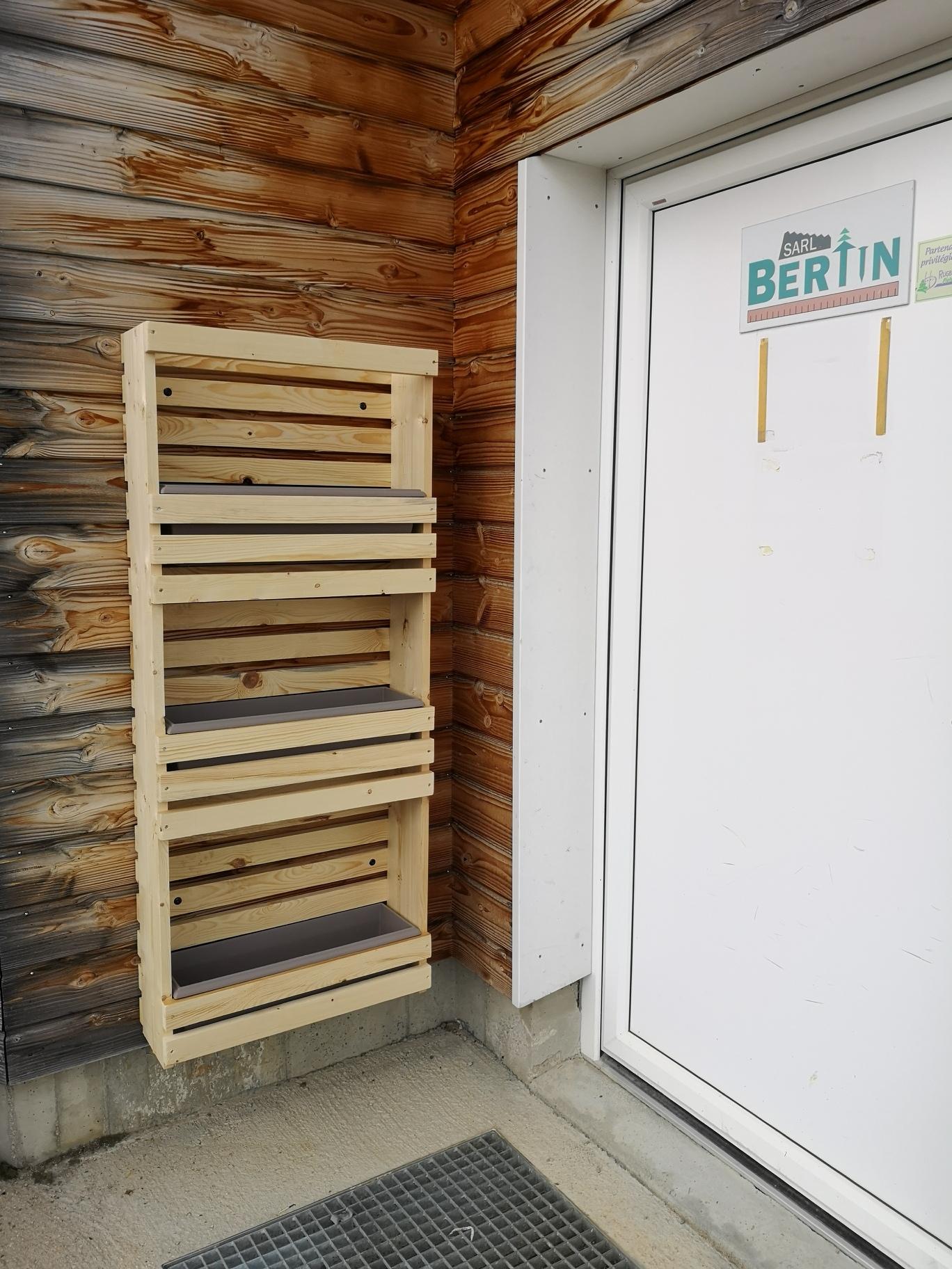 jardini res en tag re grand mod le menuiserie bertin. Black Bedroom Furniture Sets. Home Design Ideas