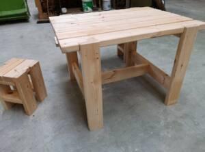 table Dinos en pin non traité